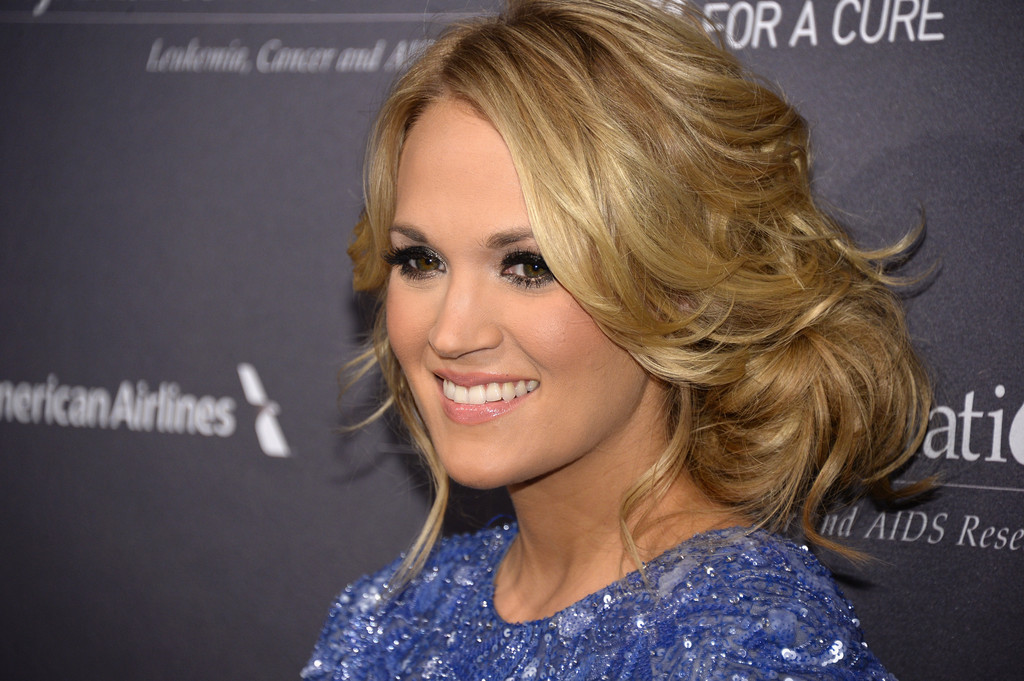 Carrie+Underwood+Updos+Messy+Updo+cJgScRctlH8x